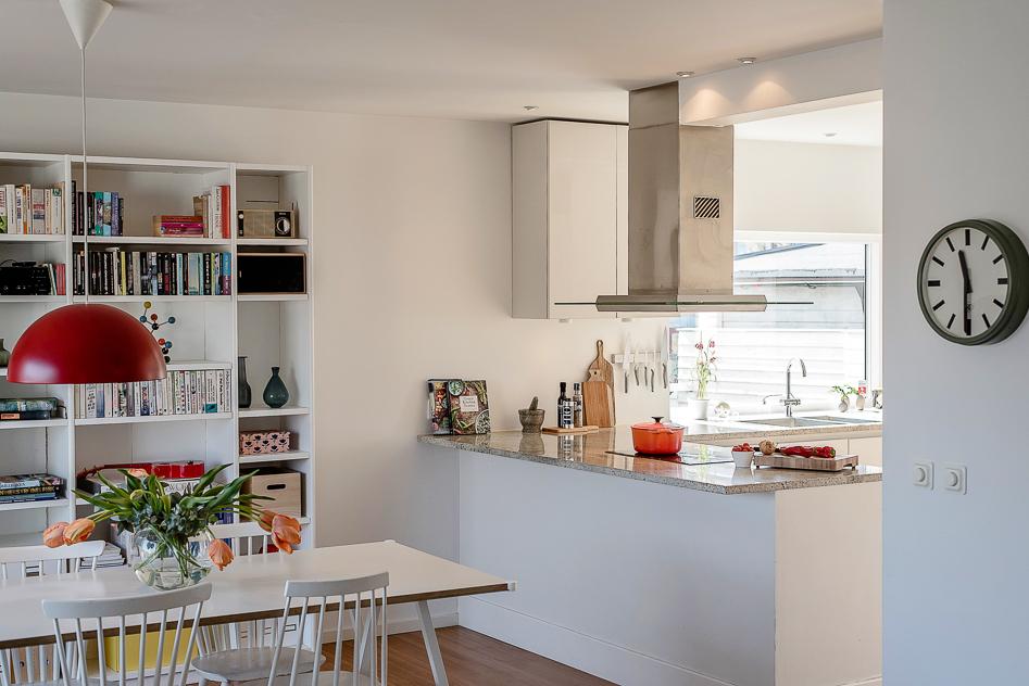 Matplats och kök i fin öppen planlösning