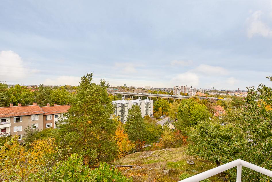 Balkong med milsvid utsikt
