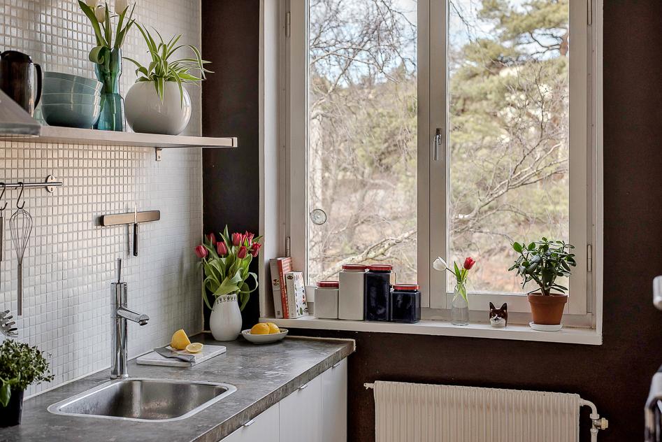 Stort fönster i köket