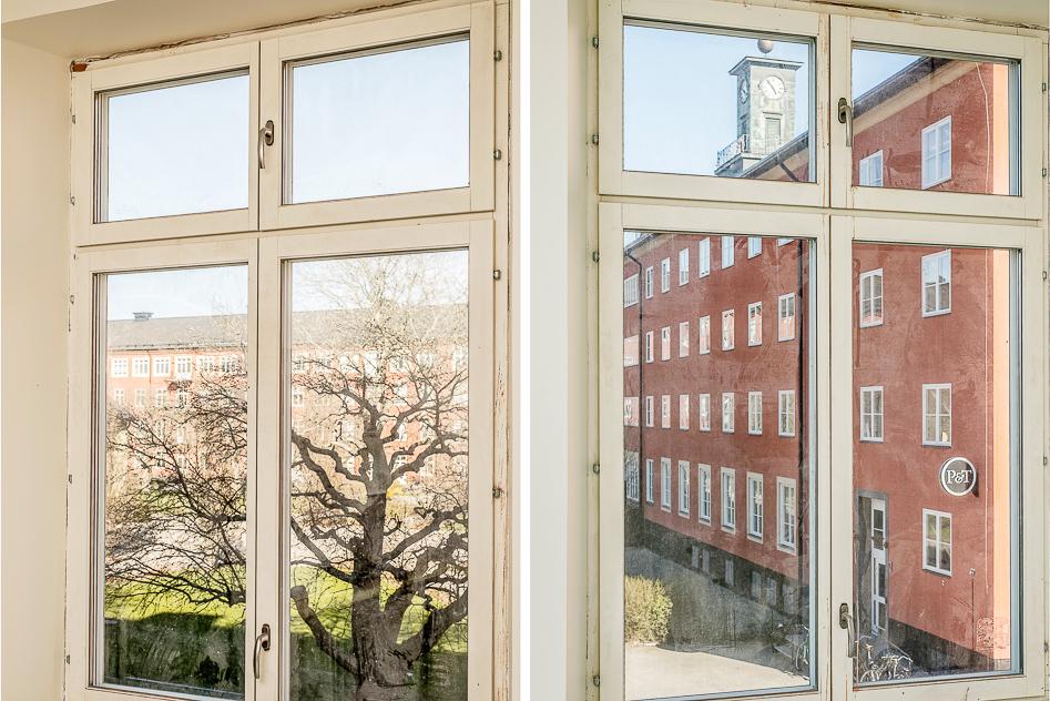 Utsikt från lägenhetens bägge fönster